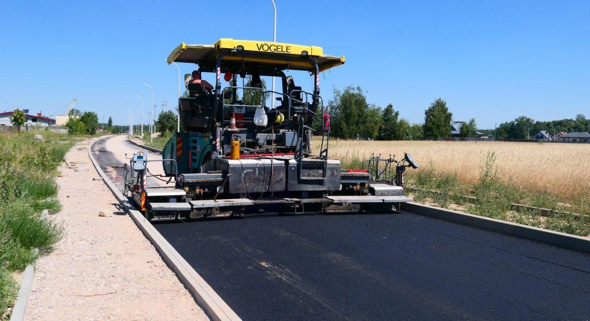 Trwa przebudowa drogi gminnej Płock – Rydzyno wraz z infrastrukturą