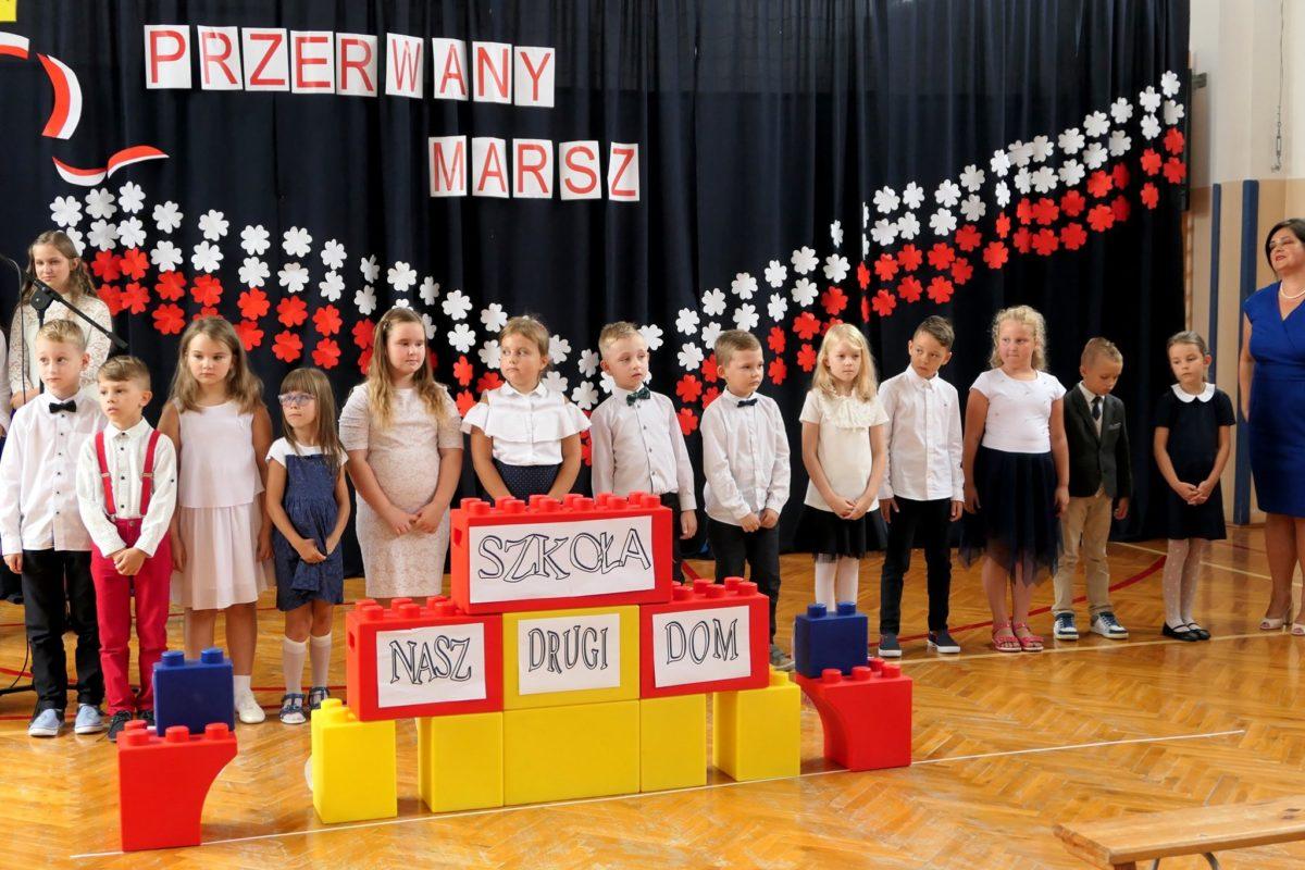 Uroczystości szkolne w gminie Słupno