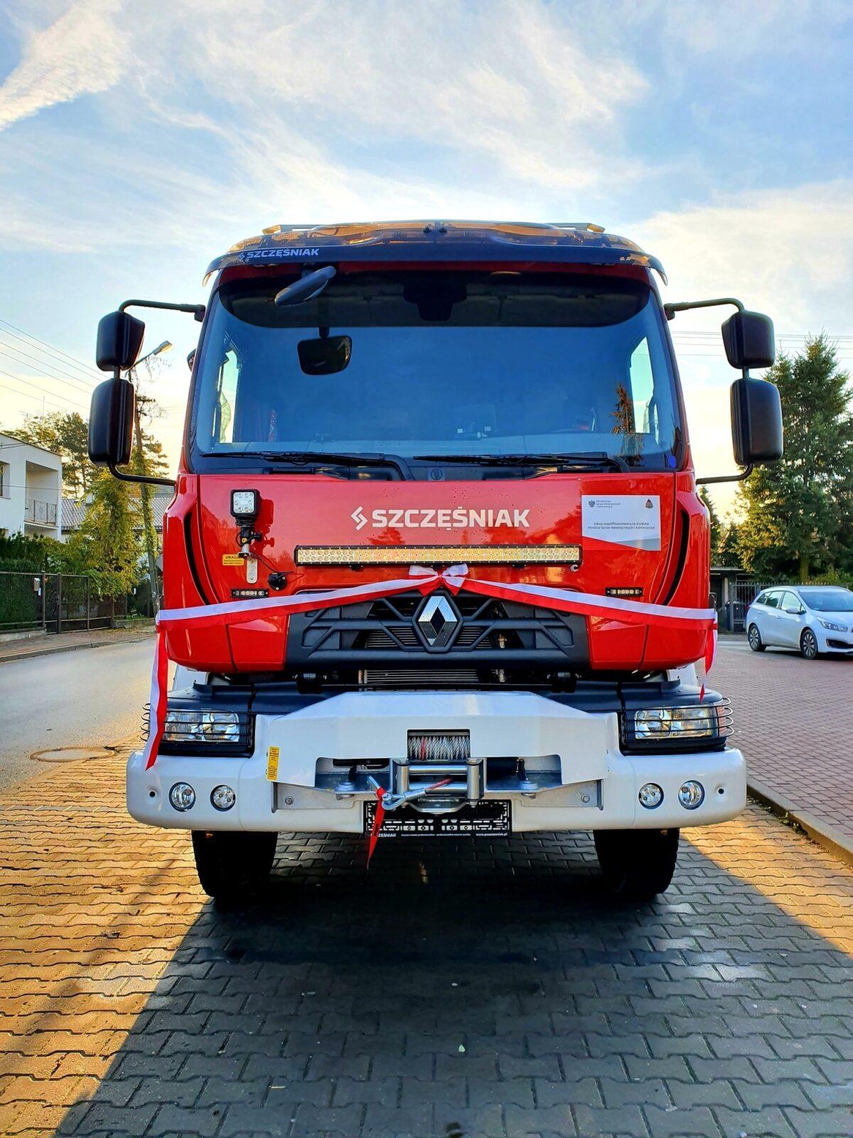 OSP CEKANOWO otrzymało nowy samochód ratowniczo-gaśniczy